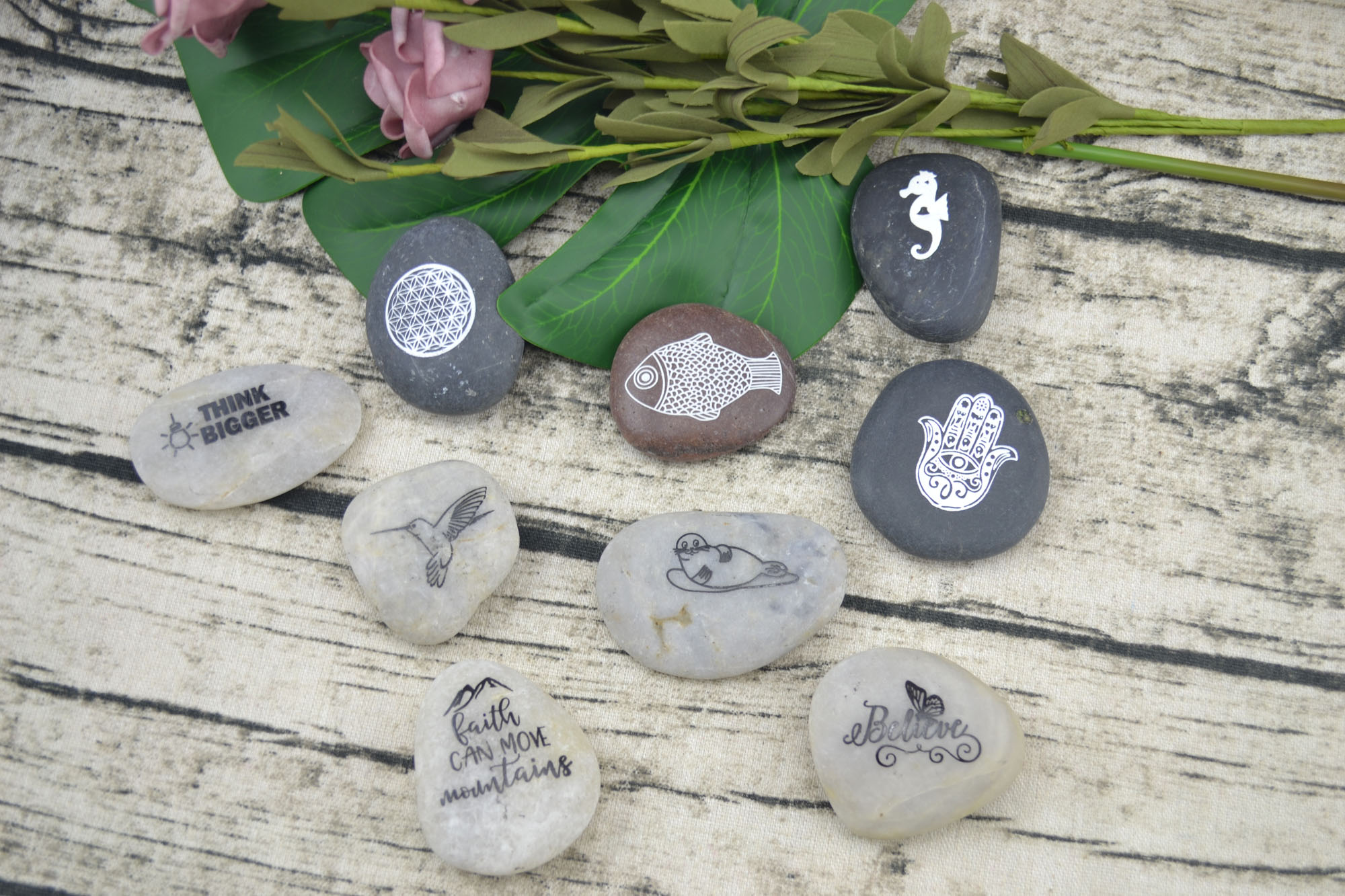 natural pebble stone with customized printing words and designs black pebbles polish stone